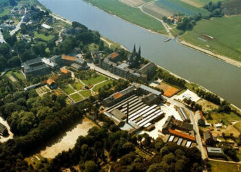 Steyl, Top View
